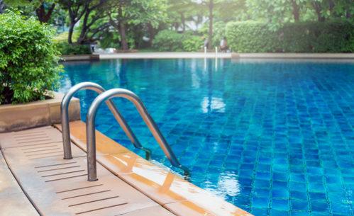 piscina como se solucionan las fugas de agua en estas
